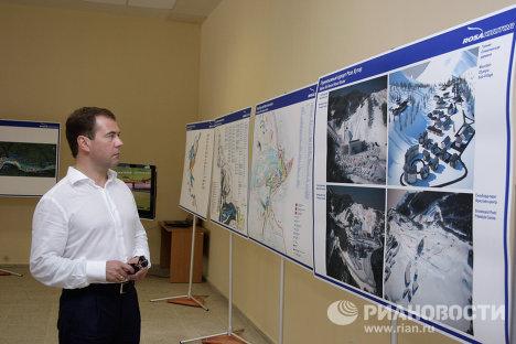 Dmitri Medvédev visita obras para los Juegos Olímpicos de Invierno en Sochi-2014
