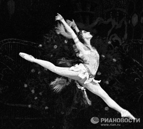 Майя Плисецкая в роли Жар-птицы