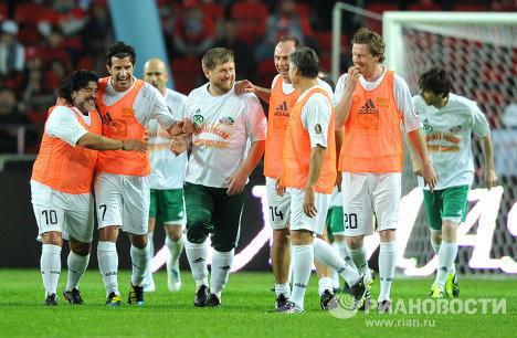 Estrellas del fútbol mundial perdieron amistoso con Chechenia