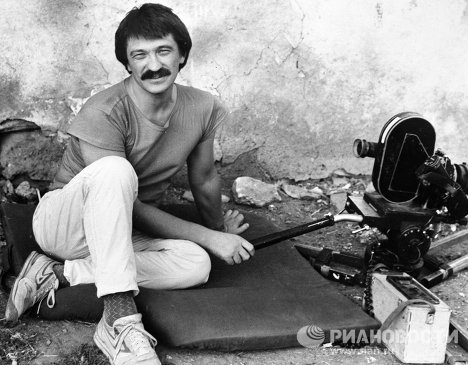 Режиссер Александр Сокуров на съемках фильма Дни затмения
