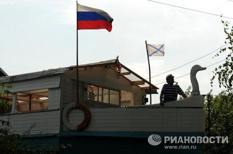 Дом-корабль в деревне Старый Шимск Новгородской области
