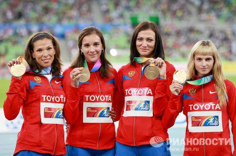 Анастасия Капачинская, Людмила Литвинова, Наталья Антюх, Антонина Кривошапка (слева направо)