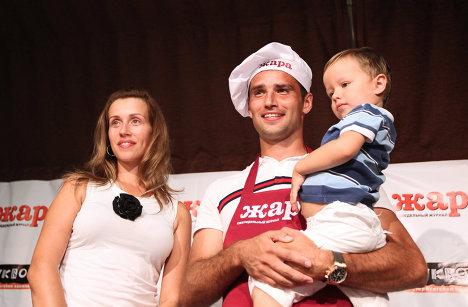 Роман Широков с семьей