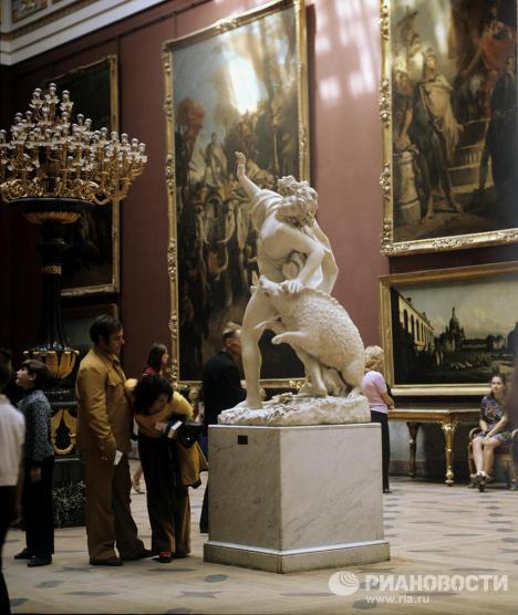 В зале западно-европейского искусства