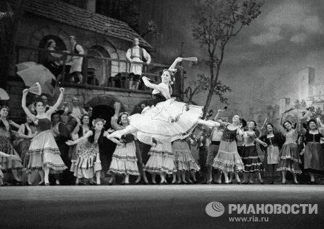 Балерина Ольга Лепешинская в балете Минкуса Дон Кихот