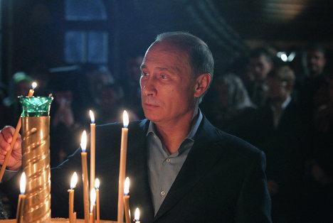 Президент РФ В.Путин на Рождественском богослужении в Сочи