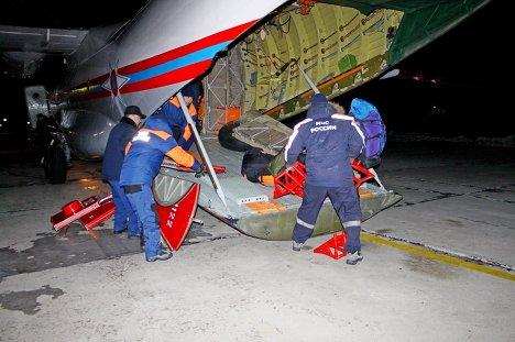 Спасатели и кинологи прибыли в Тыву для поиска подростков, попавших под лавину