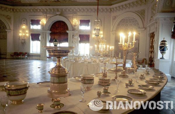 Парадная столовая в Павловском дворце