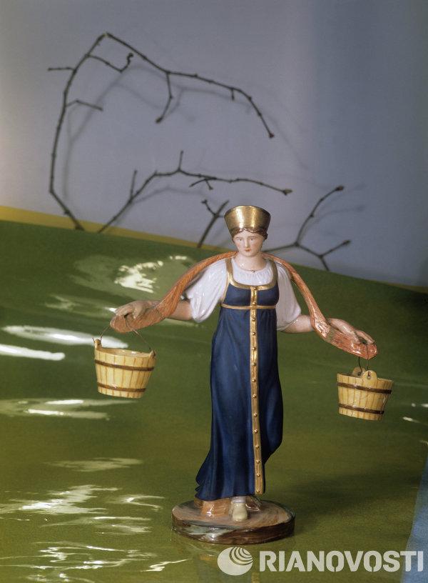Статуэтка Водоноска С. С. Пименова