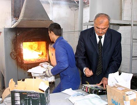 La heroína confiscada es quemada en los hornos de la Agencia de Control de Droga.