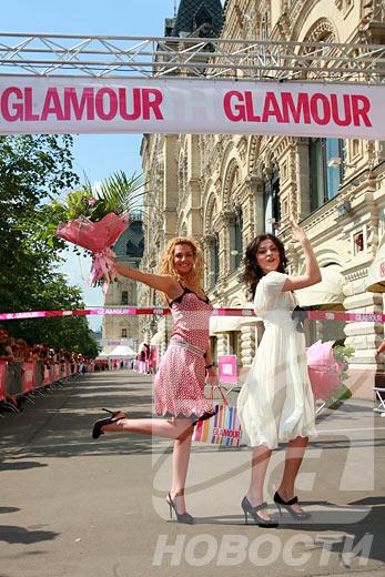 Las muchachas que se vieron en el segundo y el tercer lugares recibieron los cheques de 30 y 15 mil rublos, respectivamente.