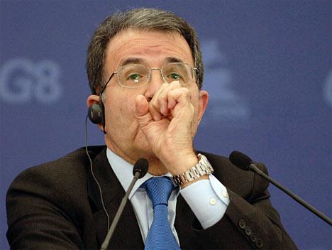 Primer ministro italiano Romano Prodi en el Centro Internacional de Prensa.
