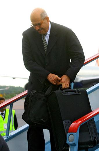 El presidente de la Agencia Internacional de Energía Atómica, Mohammed al Baradei, arribó a San Petersburgo, para participar en la reunión en la cumbre del G8.