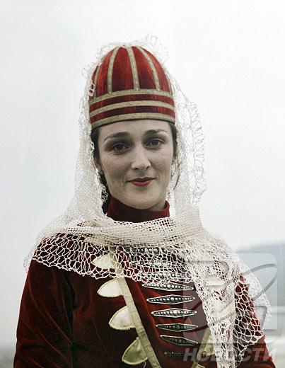 Ropa tradicional de los pueblos de Rusia