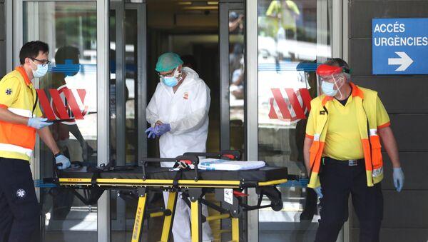 Entrada de emergencias del hospital Arnau de Vilanova - Sputnik Mundo