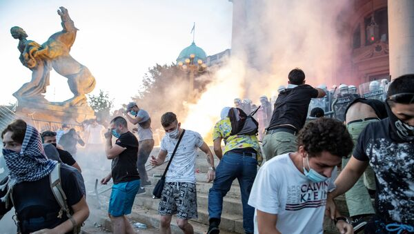 Protestas en Serbia - Sputnik Mundo