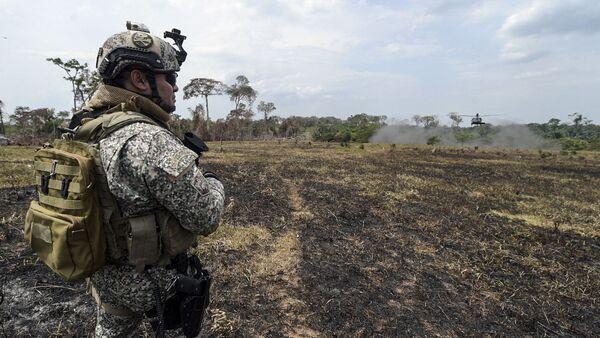 Un militar colombiano  - Sputnik Mundo