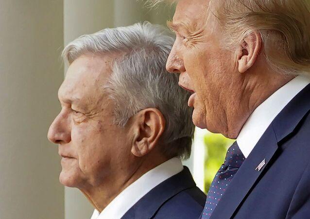 El presidente de México, Andrés Manuel López Obrador, junto a su homólogo estadounidense, Donald Trump