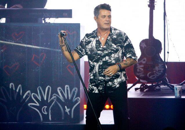 Alejandro Sanz durante un concierto (imagen referencial)