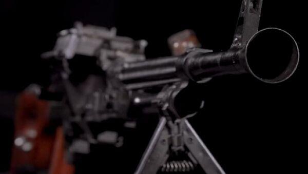 Uno de los primeros prototipos del AK-47, la amertralladora EF-01 - Sputnik Mundo