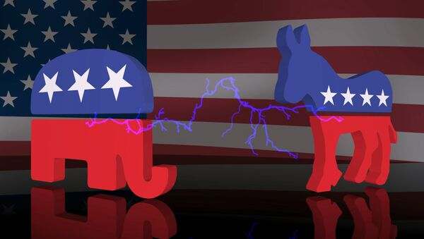 Un elefante, símbolo de los repúblicanos, y un burro, símbolo de los demócratas - Sputnik Mundo