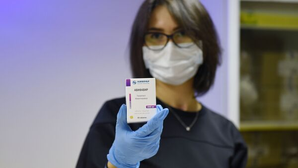 Avifavir, medicamento producido en Rusia para combatir el coronavirus - Sputnik Mundo
