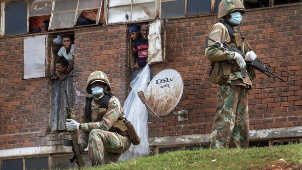 Policía sudafricana en Johannesburgo (archivo) - Sputnik Mundo