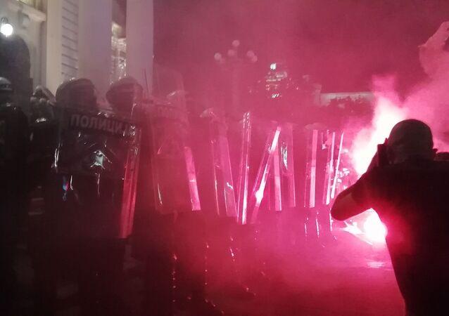 Disturbios en Belgrado