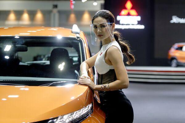 Las curvas futuristas abren el Salón Internacional Automovilístico de Bangkok   - Sputnik Mundo