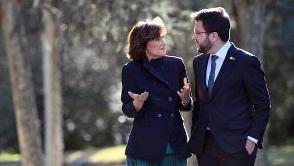 Vicepresidenta de España con el vicepresidente de la Generalitat de Cataluña - Sputnik Mundo