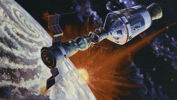 Una pintura del acoplamiento de Soyuz-Apolo, obra del cosmonauta Alexéi Leónov - Sputnik Mundo