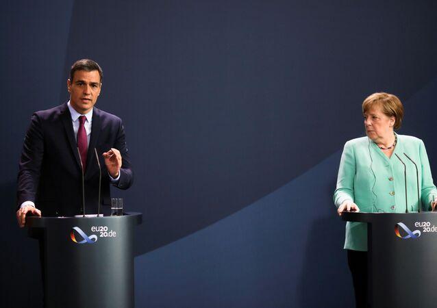 La canciller alemana, Angela Merkel, y el presidente del Gobierno español, Pedro Sánchez