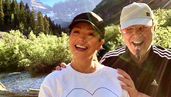 Thalía junto a su esposo, Tommy Mottola - Sputnik Mundo