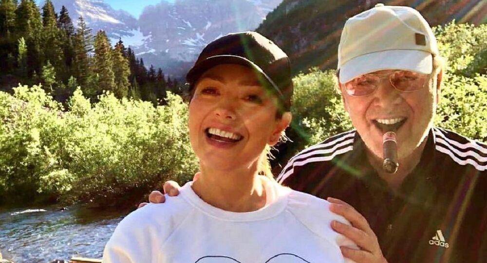 Thalía junto a su esposo, Tommy Mottola