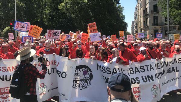 Los trabajadores de Nissan se manifiestan en Madrid - Sputnik Mundo