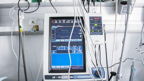 Un ventilador pulmonar (imagen referencial) - Sputnik Mundo