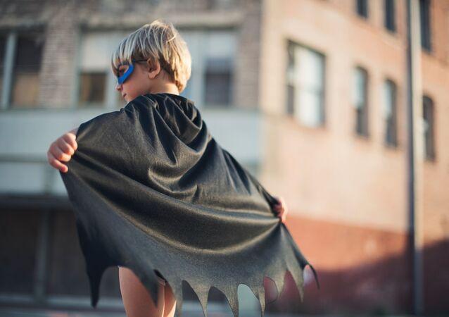 Un superhéroe pequeño (imagen referencial)