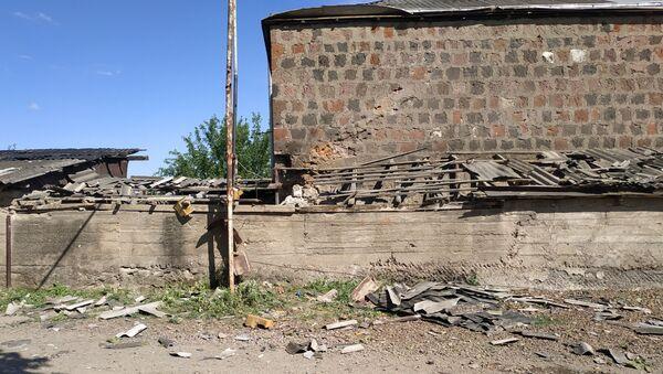 Las consecuencias de choques armados en la frontera entre Azerbaiyán y Armenia - Sputnik Mundo