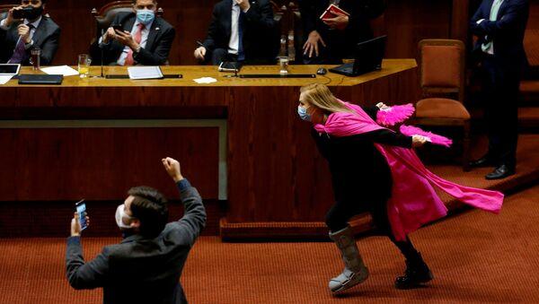 Pamela Jiles, diputada chilena - Sputnik Mundo