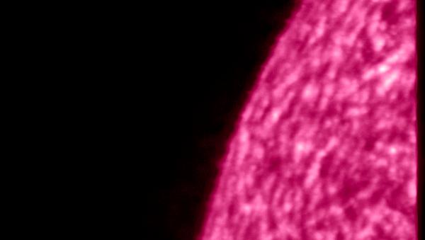 Imagen del Sol tomada por Solar Orbiter con luz ultravioleta - Sputnik Mundo