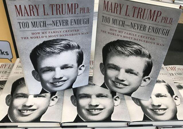 La tapa del libro de Mary L. Trump