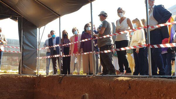 Exhumación de la fosa común de Pico Reja, cementerio de Sevilla - Sputnik Mundo