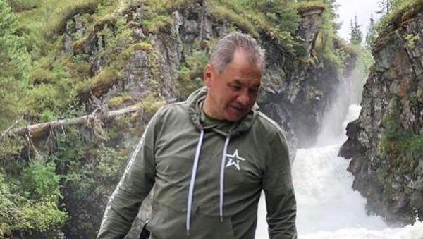 Serguéi Shoigú, ministro de defensa de Rusia, durante unas vacaciones en la República de Tuvá - Sputnik Mundo