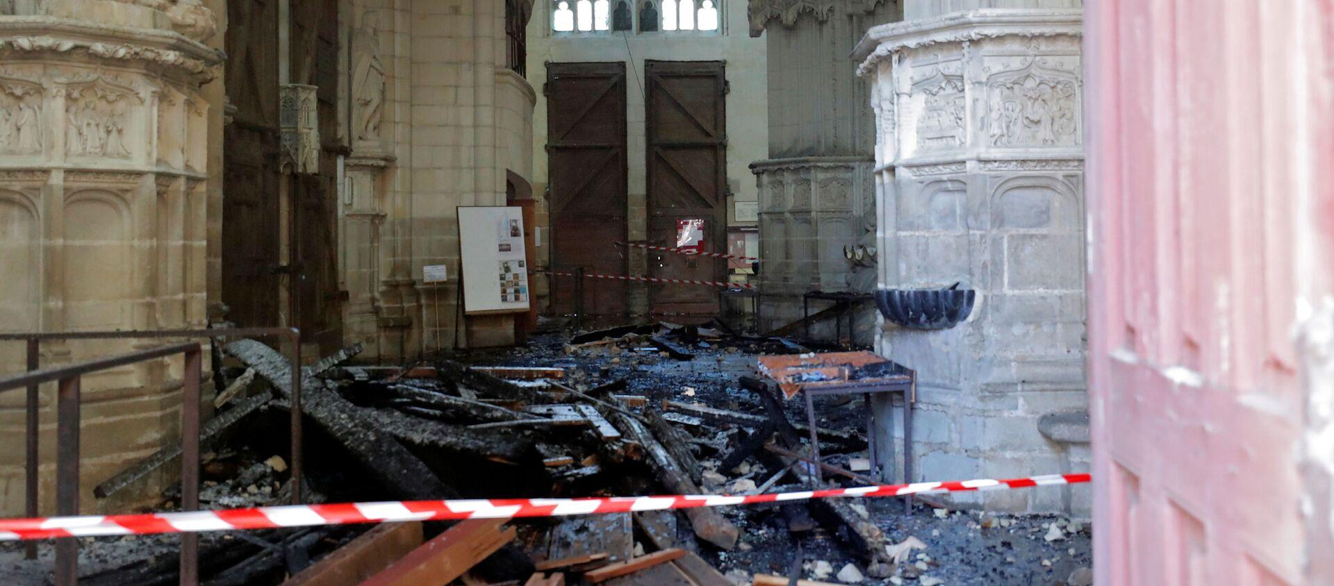 Las consecuencias del incendio en la catedral de Nantes, Francia - Sputnik Mundo, 1920, 18.07.2020