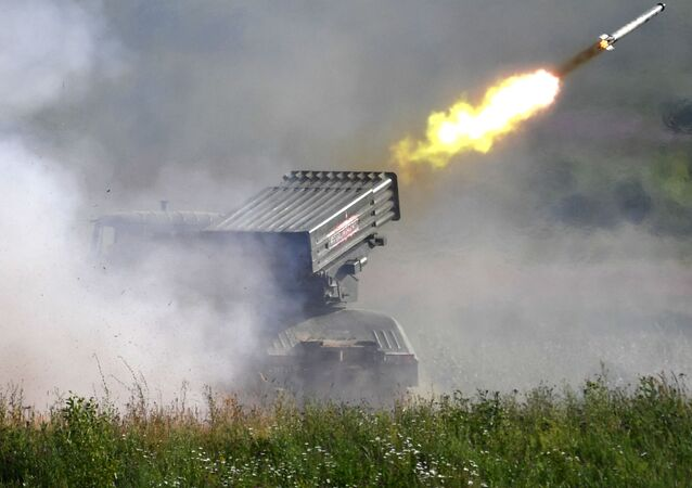 Un lanzacohetes ruso Tornado-G (imagen referencial)