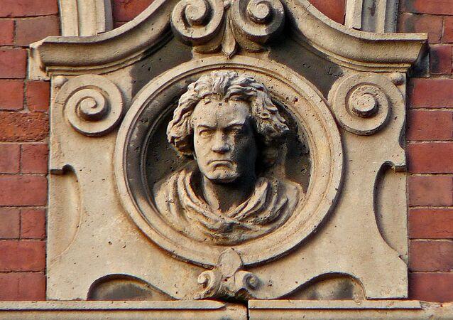El bajorrelieve del compositiк Ludwig van Beethoven