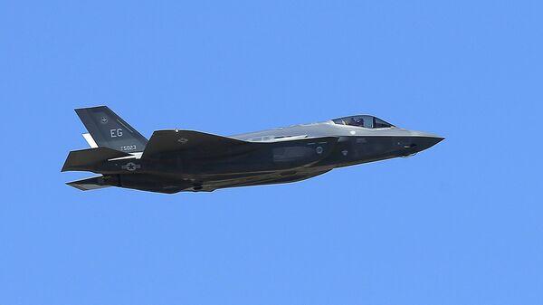Un caza estadounidense F-35A - Sputnik Mundo
