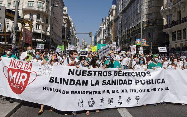Manifestación de los residentes a su paso por Gran Vía - Sputnik Mundo
