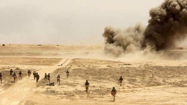 Miles de soldados iraquíes entrenados por el Ejército español en Besmaya - Sputnik Mundo