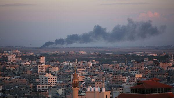 Bombardeo en la Franja de Gaza (archivo) - Sputnik Mundo